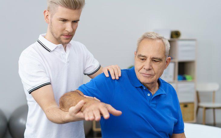 Resultado de imagem para fisioterapia idoso