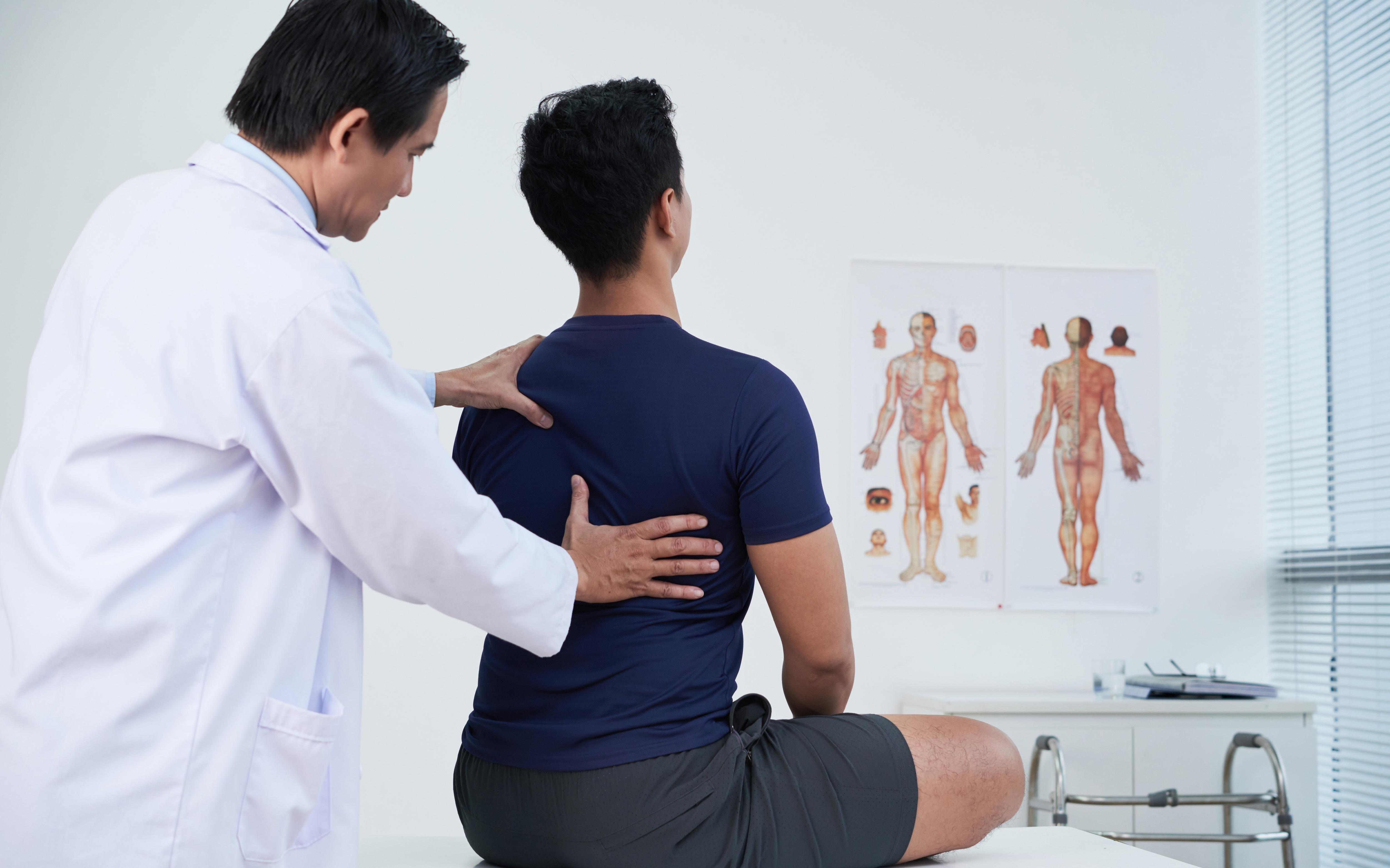 Saiba como fazer avaliação postural em seu paciente