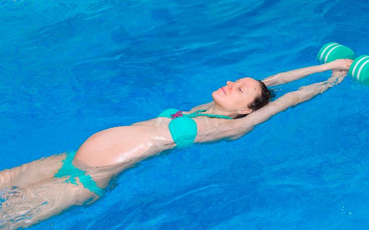 Benefícios da hidroterapia na lombalgia gestacional