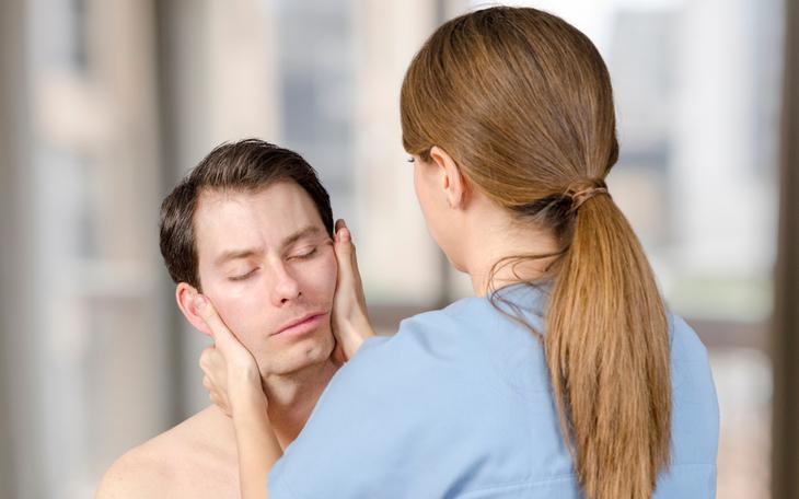Cefaleias tensionais: saiba como tratá-las através da terapia manual