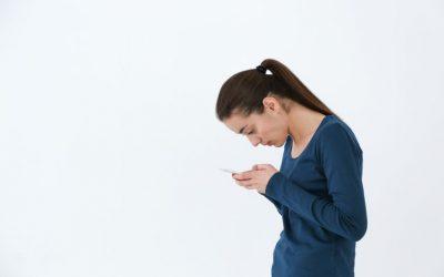 Tudo o que você precisa saber sobre Text Neck Syndrome