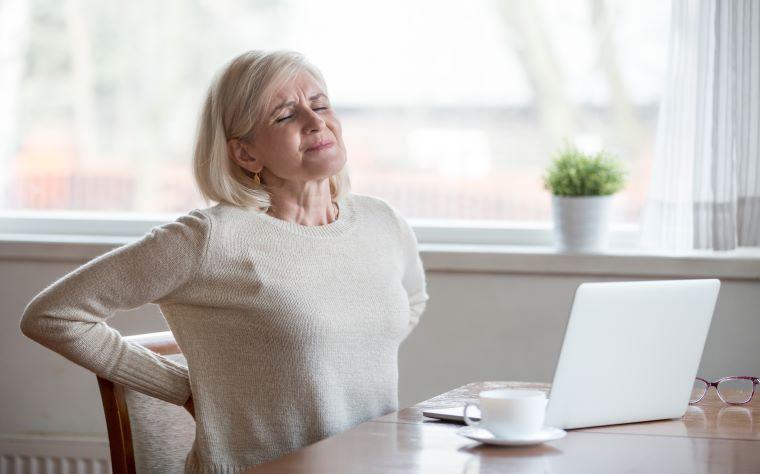 Saiba como aliviar dor lombar crônica em tempos de pandemia
