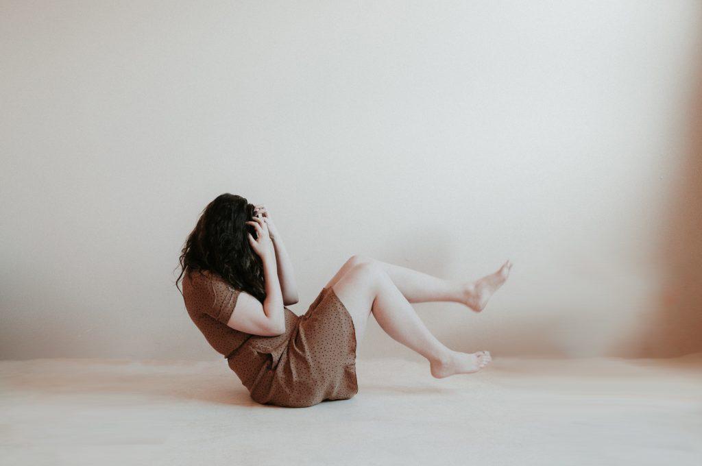 mulher-com-ansiedade-e-estresse